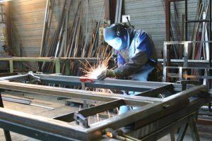 Szafy metalowe na wymiar idealnym uzupełnieniem każdego wnętrza
